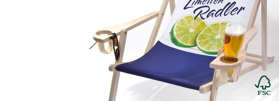 Holzliegestuhl Rhön mit Armlehne/Getränkehaltern