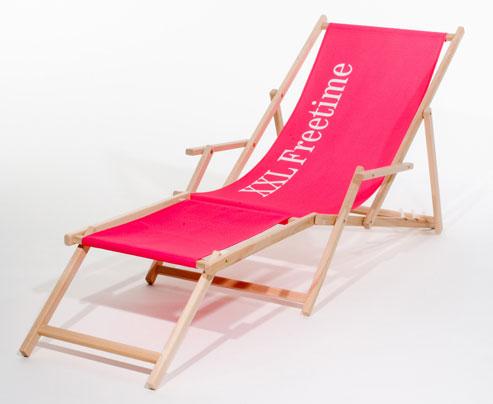 Holzliegestuhl Classic mit Armlehnen und Fußteil